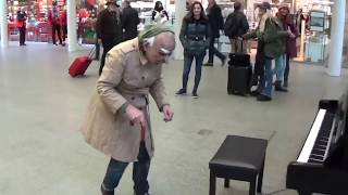 Old Man Plays DANCE MONKEY At The Mall !