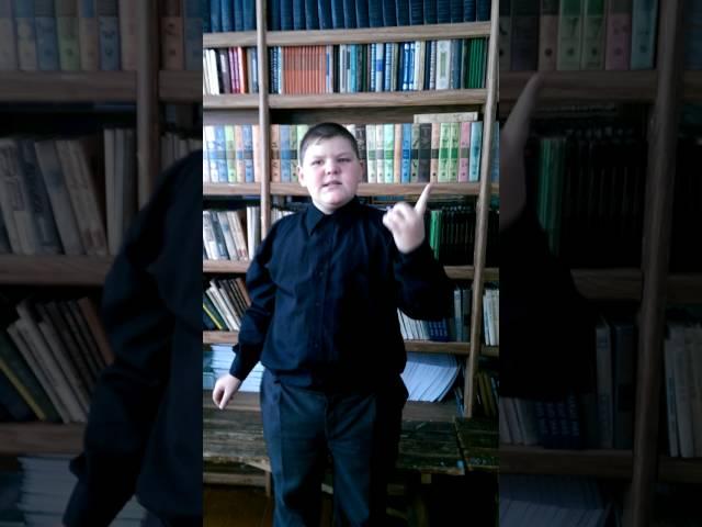 Изображение предпросмотра прочтения – АлексейКамышников читает произведение «Ворона и Лисица» И.А.Крылова