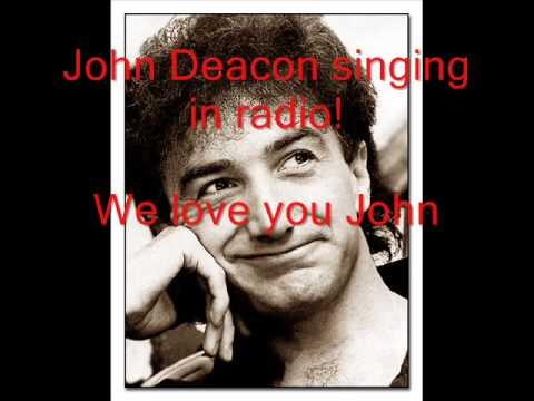 John Deacon (Queen) Singing in radio!!