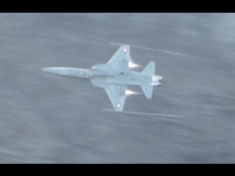 F-5 Tigers live gun fire at Axalp 2013
