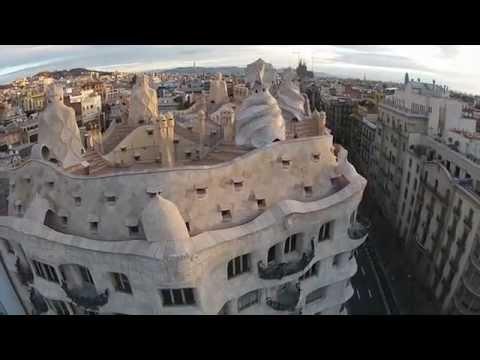Casa Milà, la Pedrera, Antoni Gaudí, Barcelona - BCNDJI - DJI Phantom 2 Vision + footage