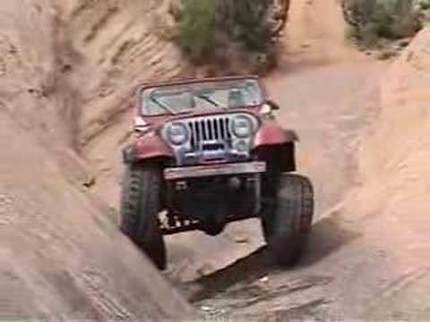 Jeep CJ7 on Hells gate on hells revenge moab