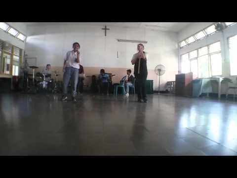 Semua Karena Cinta - Joy Tobing (Cover) V.O.C  Live SMK Kristen Petra Surabaya