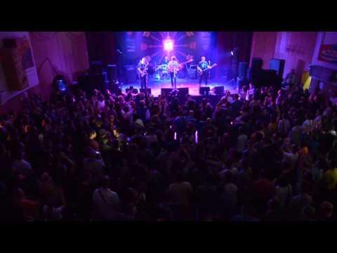 PLEJBOJ - ZNAJ (LIVE @ VRAČAR ROCKS)