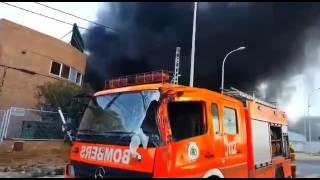 [2] VALENCIA | Incendio en Paterna, daños en un camión de bomberos (8/FEB/2017)