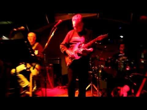 Zvučni Zid - Dire Straits - Sultans of Swing, Live@Oxygen, 11.01.2013. [HD]