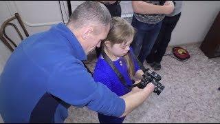 В Кемерове фотограф без кистей рук обучает детей с особенностями развития