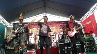 Video Radical Street Sintink-Selamat Jalan Kawan Ku (Live Universitas Sunan Bonang Tuban) download MP3, 3GP, MP4, WEBM, AVI, FLV Februari 2018