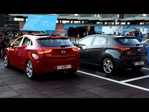 Hyundai New i30 Parking Scene