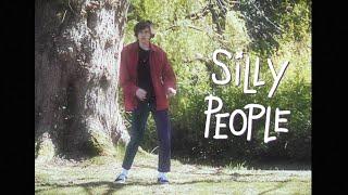 Смотреть клип Blanks - Silly People