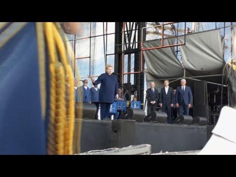 Dalia Grybauskaitė pamokė ją pertraukusią vertėją