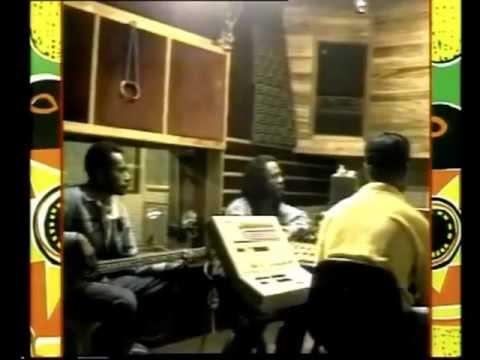 "REKS Band of Lae-""Swit Finch-1993.-Video Clip."
