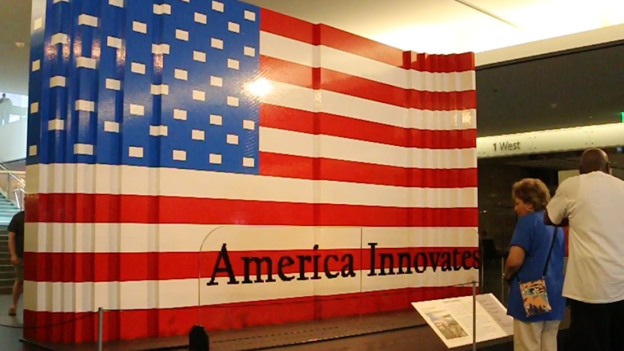 World 39 s largest lego american flag smithsonian national for The american flag history