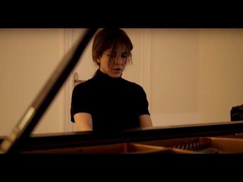 C. Debussy - Estampes - La Soirée dans Grenade . Cecilia Farina
