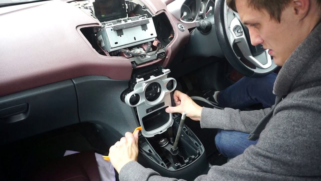 Ford Fiesta MK7 2008-2010 Left Hand Centre Heater Vent