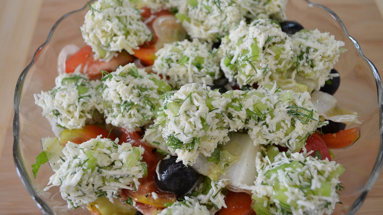 Овощной салат с сырными шариками