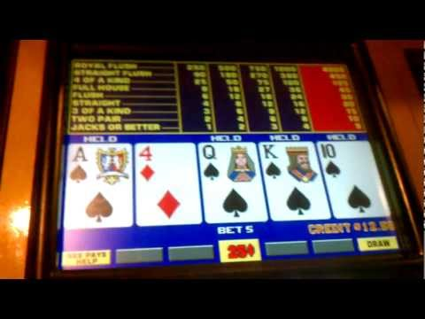 Drawing to a royal flush on video poker