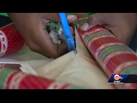 Blue Springs South High School students adopt families for the holidays