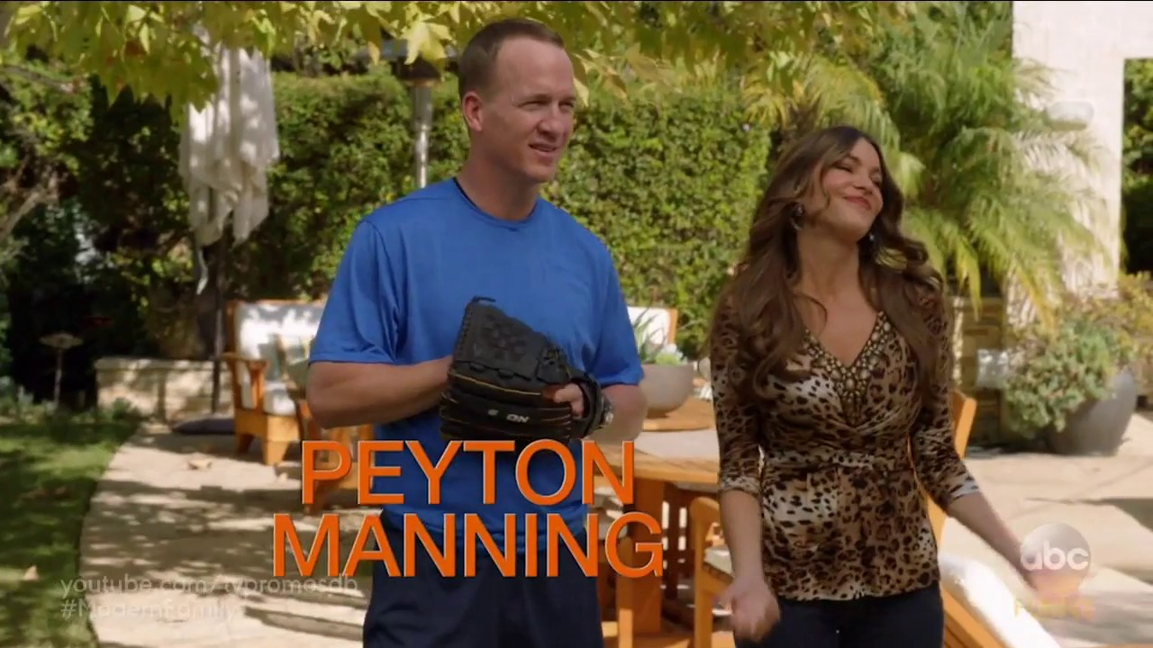 Modern family 8x13 promo do it yourself hd ft peyton manning modern family 8x13 promo do it yourself hd ft peyton manning solutioingenieria Image collections