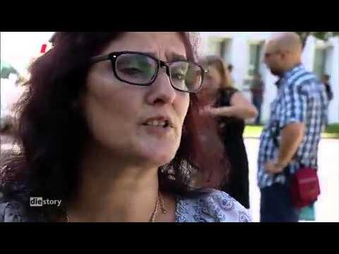 WDR - Die Story  - Musterschüler Portugal - Arm trotz Arbeit -  Ausverkauf in Portugal