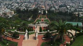 The Bahai World Center In Haifa  Бахайские Сады в Хайфе(The Bahai World Center, an expansive and well-designed complex on the slope of the Carmel (Haifa,Israel), is famous for its magnificent gardens., 2010-03-21T19:39:20.000Z)