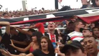 Repeat youtube video Lo mejor de Chaca es su gente. Perdiendo 2-0, la popular y platea no paraban de alentar!!!