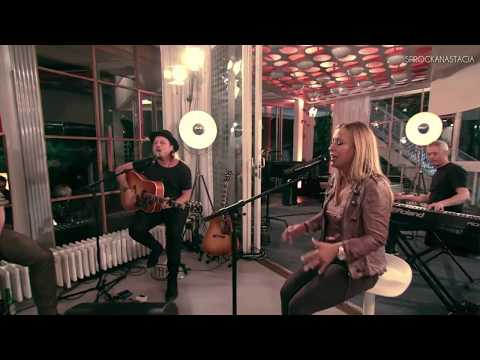 Anastacia Everything Burns LIVE Acoustic Version @ Night Grooves