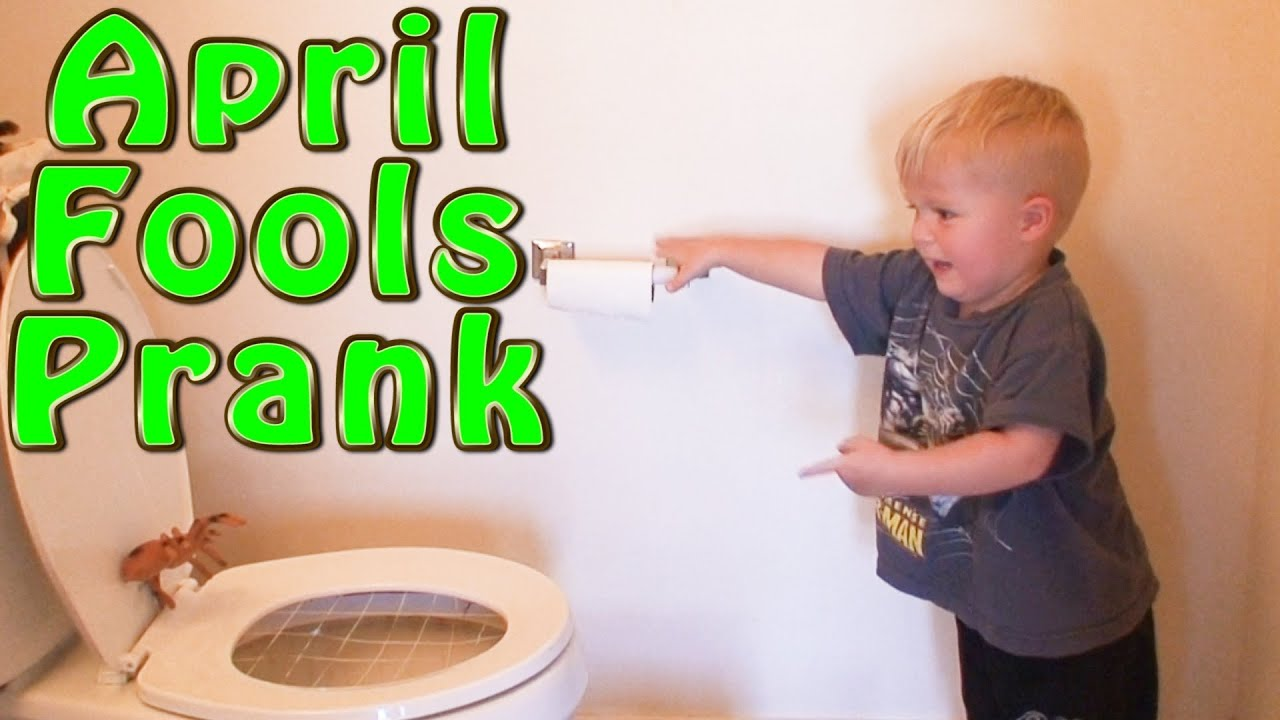 2016 funny prank KID FRIENDLY PRANK !TOILET PRANK! - YouTube