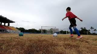 一對一教學紀錄---小朋友也能踢出弧線球(一年級)