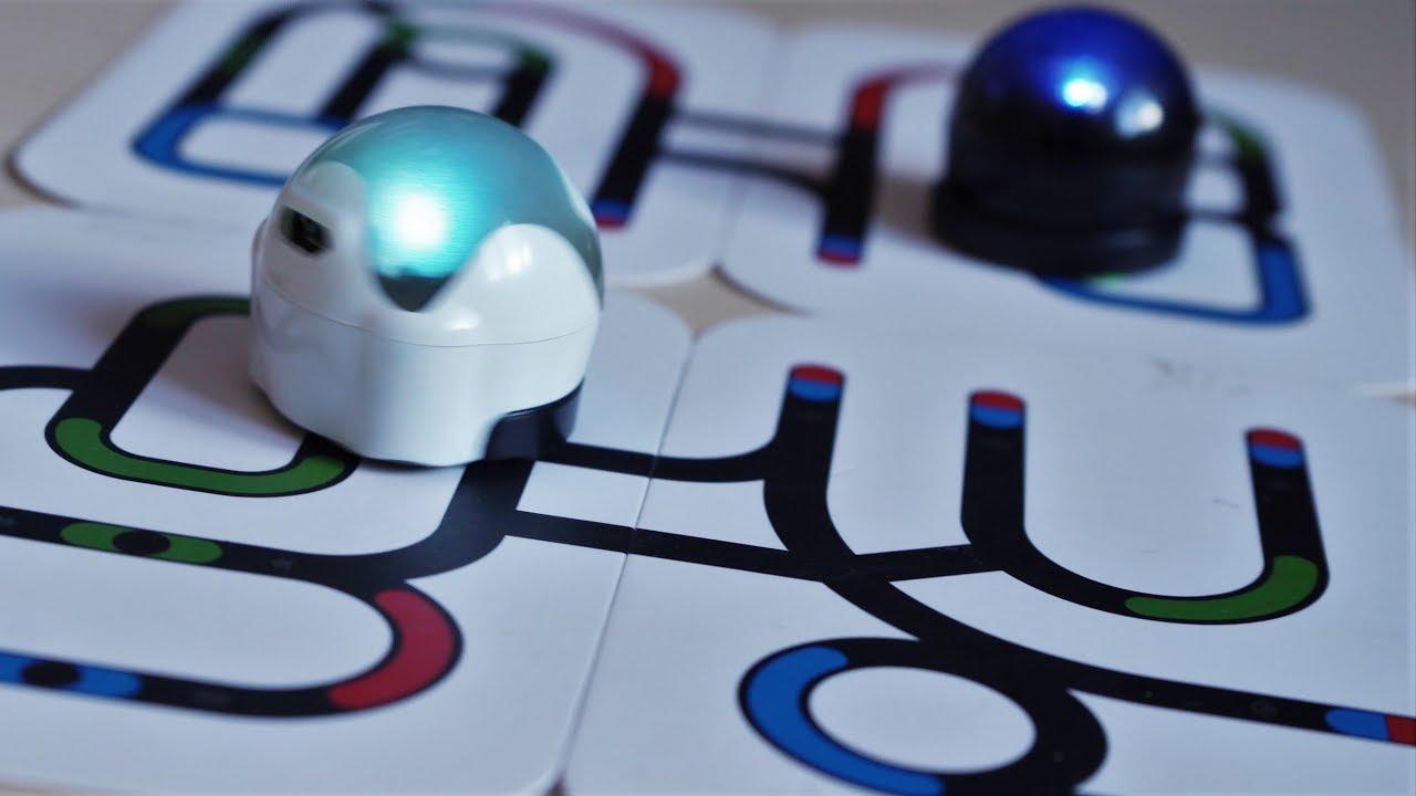 Spațiul din București unde copiii învață programare și robotică