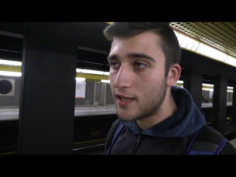 """Milano, il giovane che ha salvato il bimbo caduto sui binari del metrò: """"Mai avuto paura"""""""