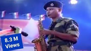 Aye Mere Watan ke Logo... [Playing Saxophone]
