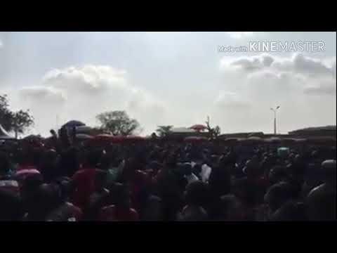 FORMER PRESIDENT JOHN DRAMANI MAHAMA ON FIRE AT MANHYIA PALACE CROWD