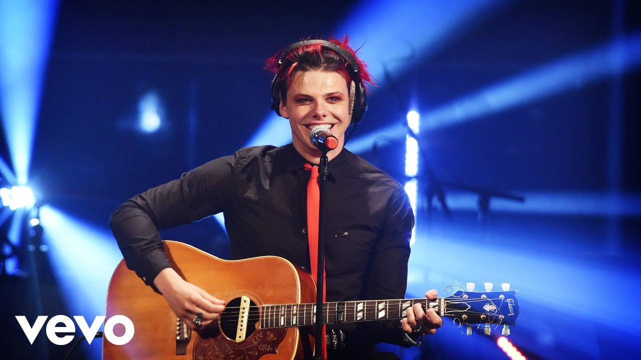Yungblud Cardigan Taylor Swift Cover In The Live Lounge Youtube