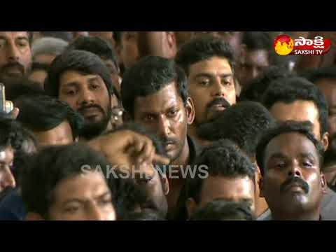 Karunanidhi Passes Away: From Rajinikanth to Mammootty, South Film Stars Mourn Demise of Kalaignar