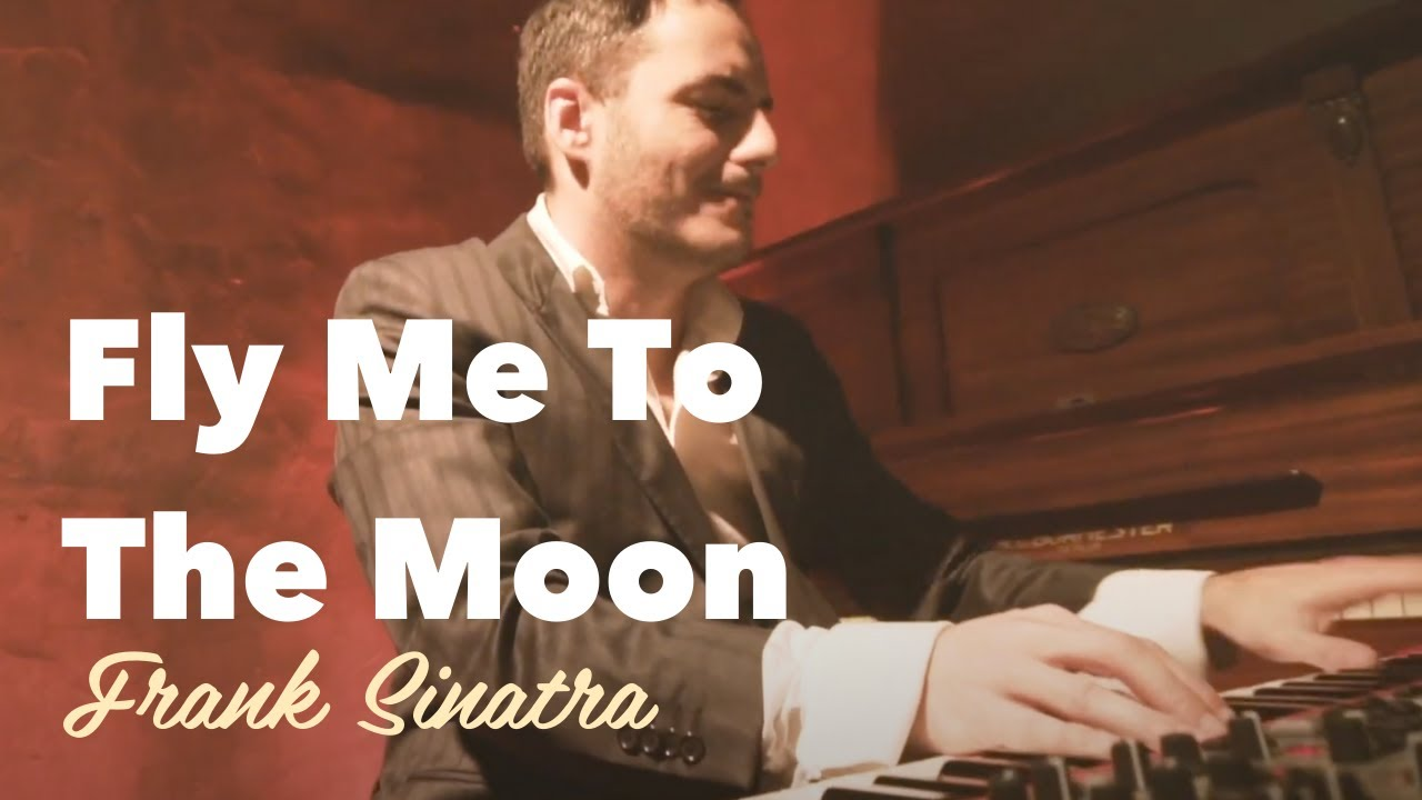 Fly Me To The Moon - Chocolate Quente