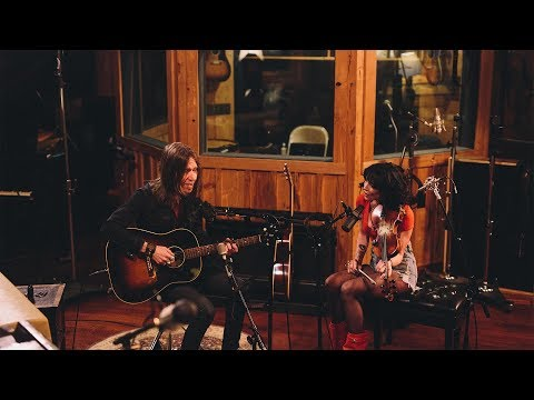 Blackberry Smoke feat. Amanda Shires - Let Me Down Easy (Live from Southern Ground)