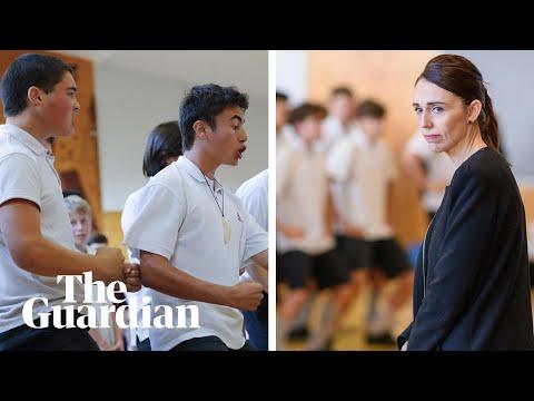 Christchurch pupils perform haka for Jacinda Ardern