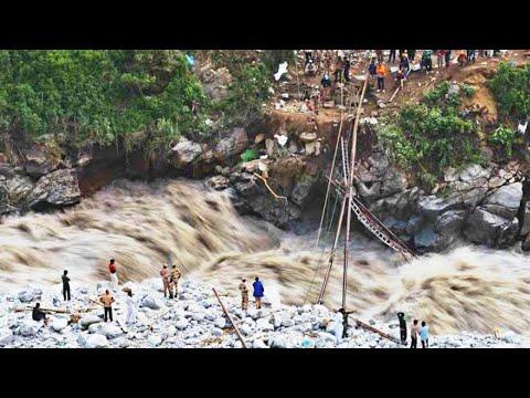 Himalayan Glacier DESTROYS the DAM in Chamoli. Uttarakhand flood, India / Disasters.