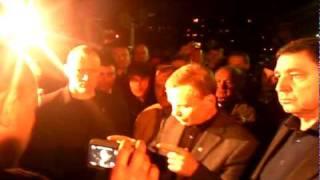Шахтёры Междуреченска перекрыли железную дорогу.(Испугавшись мэр города Щербаков через час приехал к ним., 2010-05-14T17:54:24.000Z)