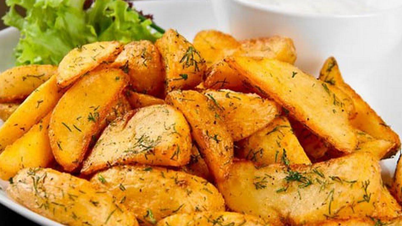 Картофель по-деревенски на сковороде с фото
