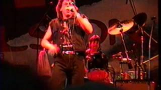 """John Kay (de Steppenwolf) joue """"Hey Lawdy Mama"""" au Rock Fest de Montreal le 03 juin 1998"""