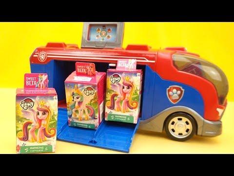 Фургон из мультика Щенячий Патруль привез сюрпризы и игрушки