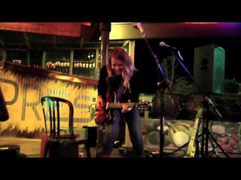 Twilight Hotel - Viva La Vinyl -  live at Marias Taco Xpress