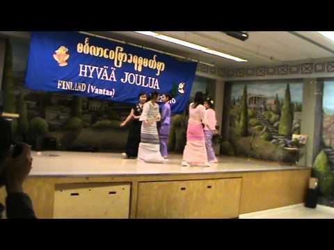 Ta Khin Tone Yin ( by Karenni girls from Porvo )
