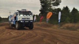 Минниханов прокатился на грузовике «КАМАЗ мастер»  «Идет как приклеенный!»