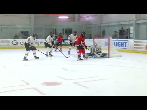 Local hockey players on display at All Ivy Showcase