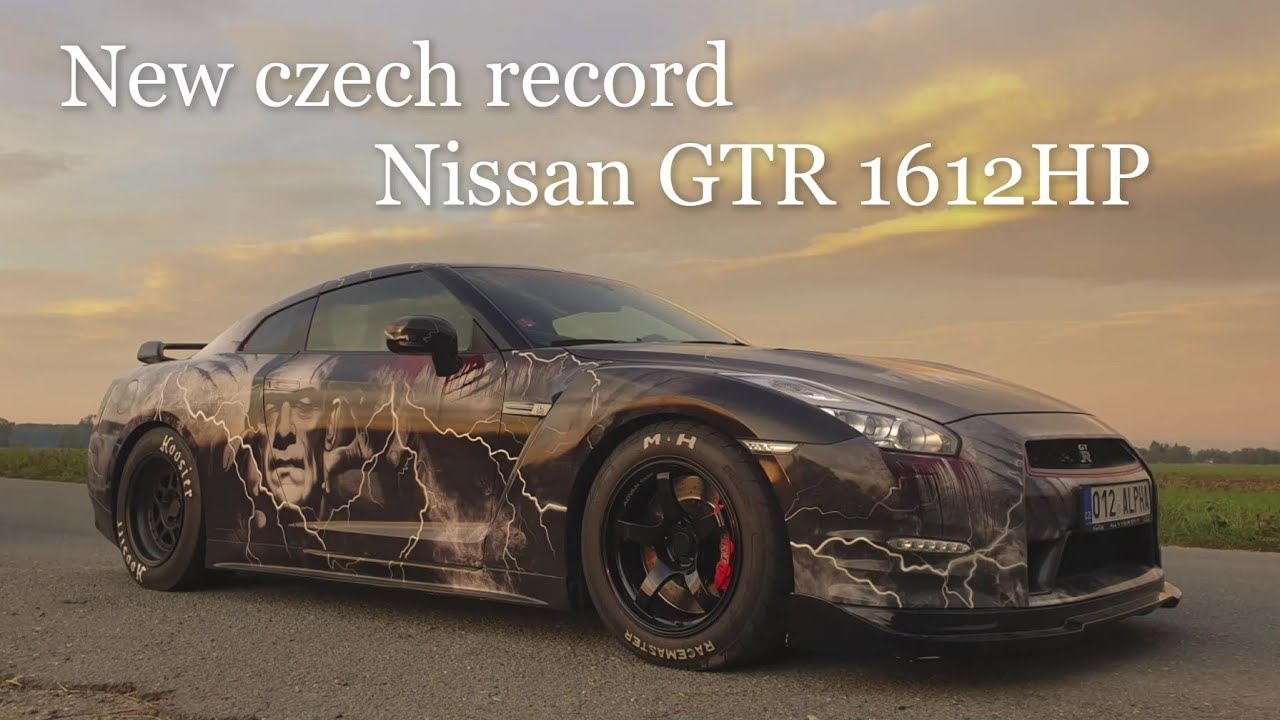 Video Nejrychlejší sprint osobního automobilu na ¼ míle