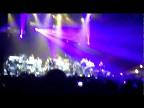 Earth Wind & Fire feat Al McKay live from Zénith le 3 Mars 2013