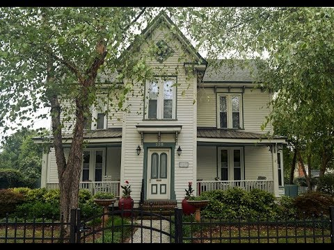 Gorgeous c. 1880 Italianate Victorian For Sale